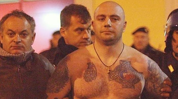 """Беспорядки на стадионе """"Черноморца"""" устроил известный фанат из Сербии"""