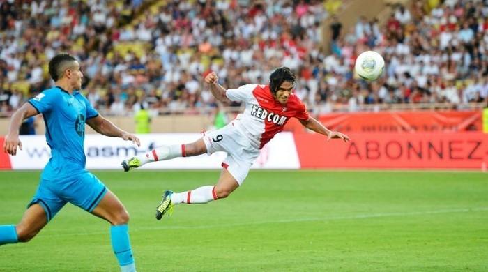 """В товарищеском матче """"Монако"""" разгромил """"Тоттенхэм"""", Фалькао отметился дублем"""