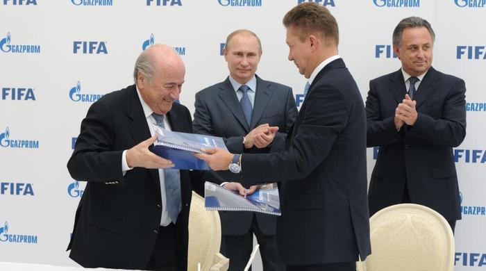 """""""Газпром"""" не согласен с инициативой запретить спонсировать спортивные команды"""