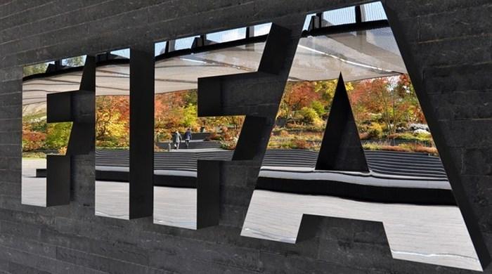 ФИФА оштрафовала Хорватию и Грецию за расизм фанатов