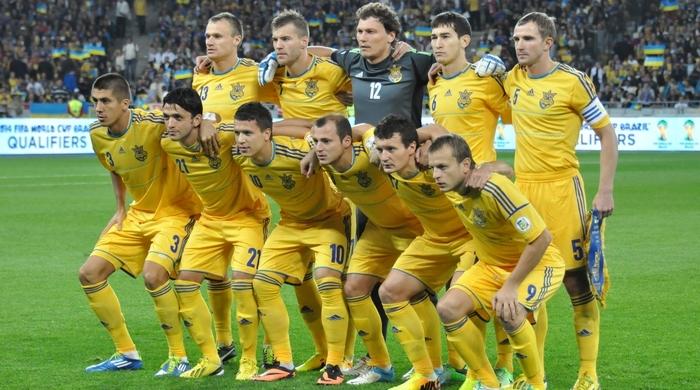 Фоменко взял в Минск 25 игроков