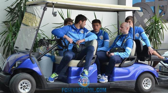 """Футболисты """"Севастополя"""": всем сказали искать новые клубы, но долги пока не погасили"""