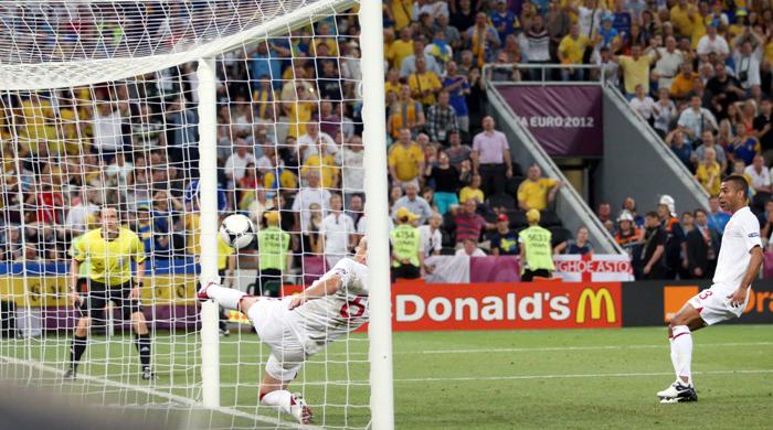 Арбитр, не заметивший гол украинцев в матче против Англии, признан одним из главных неудачников года в Венгрии