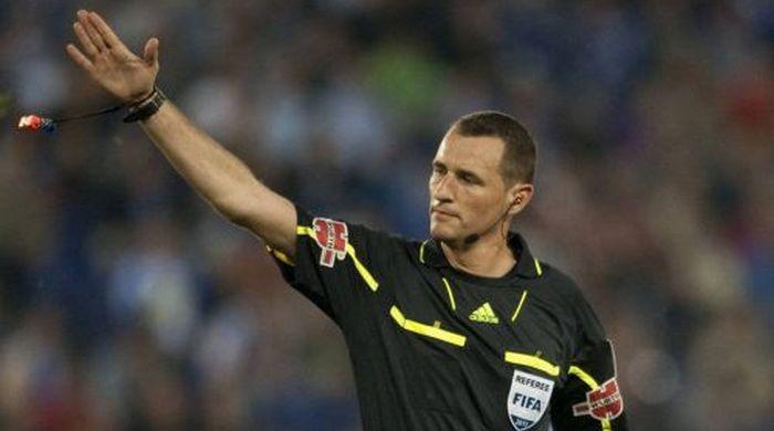 Карлос Клос Гомес - арбитр матча Норвегия - Украина