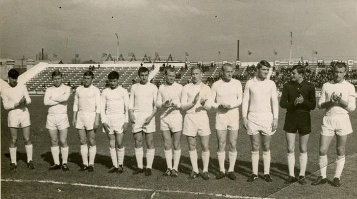 90-летию краснолучского футбола посвящается