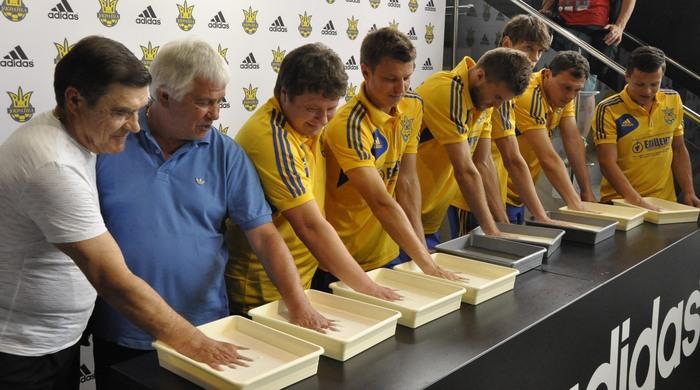 Футболисты сборной Украины приняли участие в открытии Аллеи славы (+ Фото)