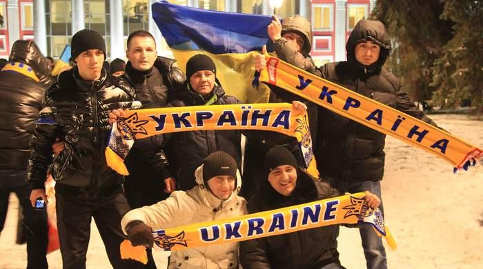 Украинских фанатов задержало белорусское КГБ