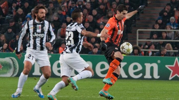 Генрих Мхитарян - лучший футболист Армении 2012 года