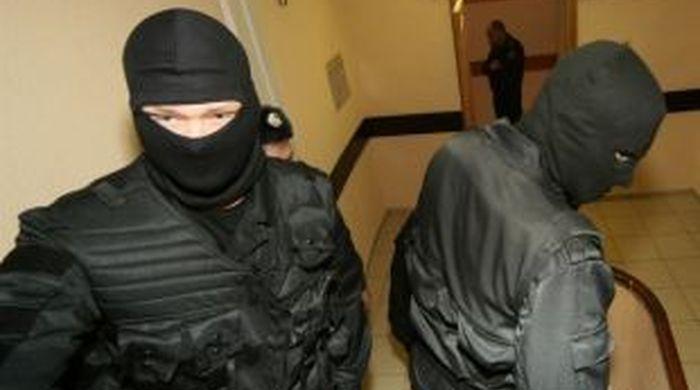 Захватчики киевского Дома футбола устроили перестрелку