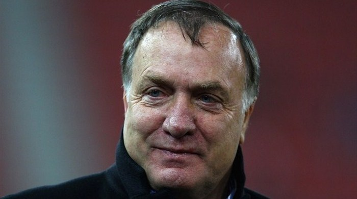 Адвокаат больше не тренер сборной Сербии