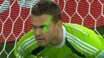 ФИФА наказала Алжир за лазер во время матча с Россией (+видео)
