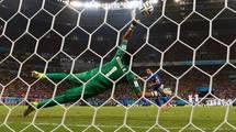 Вратарь сборной Коста-Рики рискует пропустить матч против Голландии