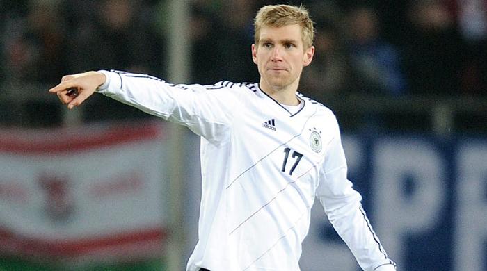 Мертезакер завершил карьеру в сборной Германии