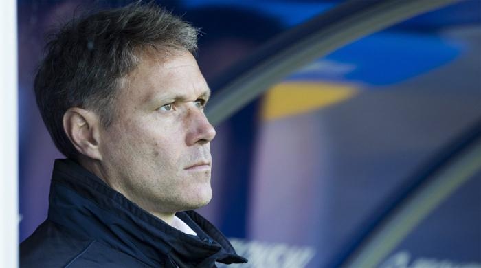 Ван Бастен завершил карьеру тренера из-за проблем с сердцем