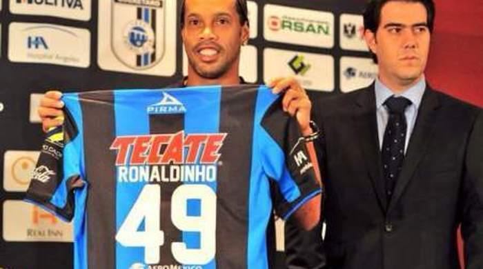"""Роналдиньо: """"Хочу завоевывать титулы и девушек"""""""
