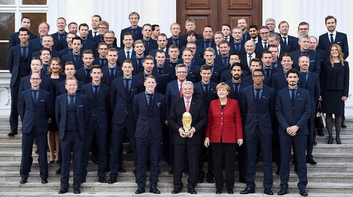 Президент Германии наградил Бундестим