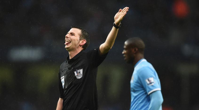 """""""Манчестер Сити"""" отправил жалобу на работу арбитра в матче с """"Ливерпулем"""""""