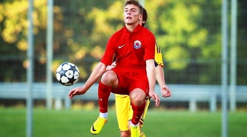 Защитник астраханского «Волгаря» уходит в«Урал»