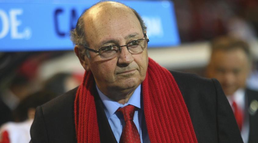 Сборная Греции осталась без тренера