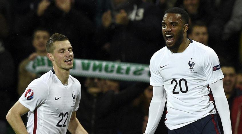 """Франция - Дания 2:0. Свистел """"Котёл"""", датчане гнулись"""