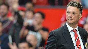 """Увольнение Луи ван Гала заставило букмекеров оценить выше шансы """"Манчестер Юнайтед"""" выиграть АПЛ"""
