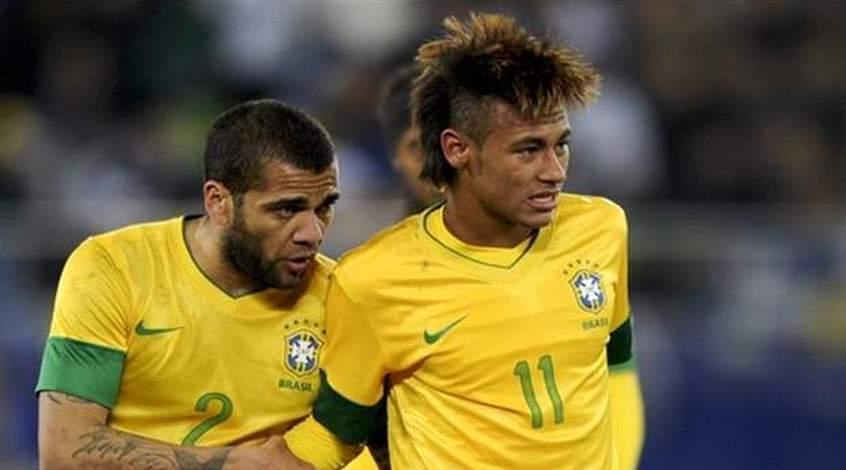 Как Неймар и компания в раздевалке сборной Бразилии пасы отрабатывают (Фото)