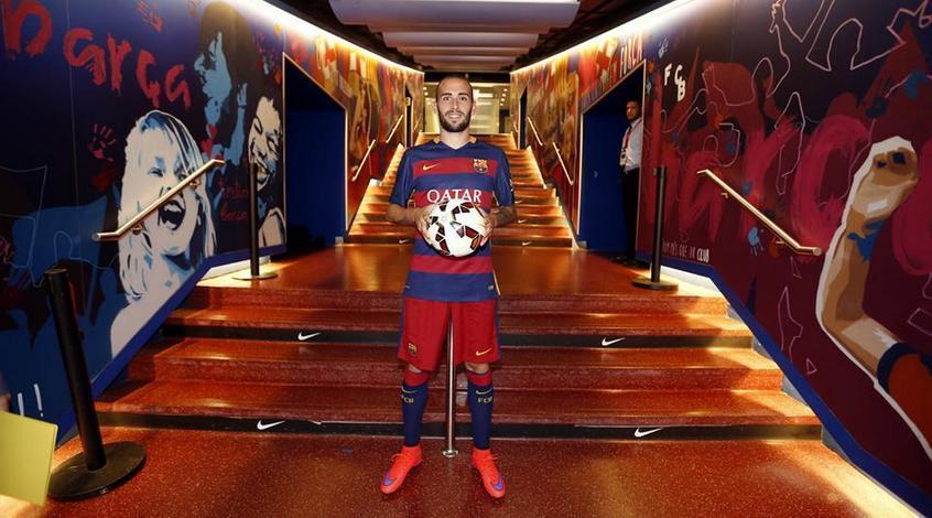 """Алейкс Видаль: """"Не знаю, когда смогу выйти на поле и отметить свой дебют за """"Барселону"""""""