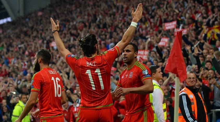 Как игроки сборной Уэльса радовались поражению Англии