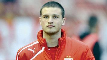 В Сербии вратаря молодежной сборной сравнивают с Бэтменом