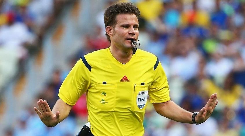 Феликс Брых - главный арбитр матча Польша - Португалия