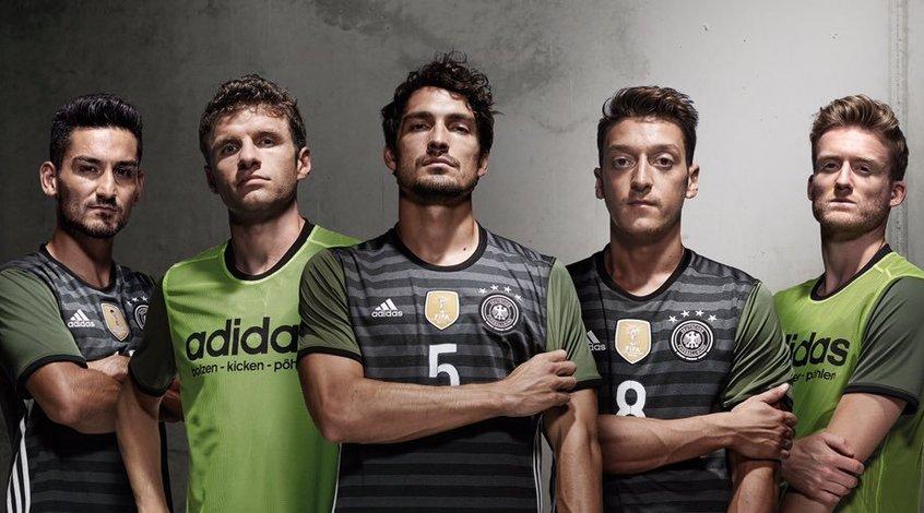 Сборная Германии подготовила новую форму к Евро-2016 (+Фото)
