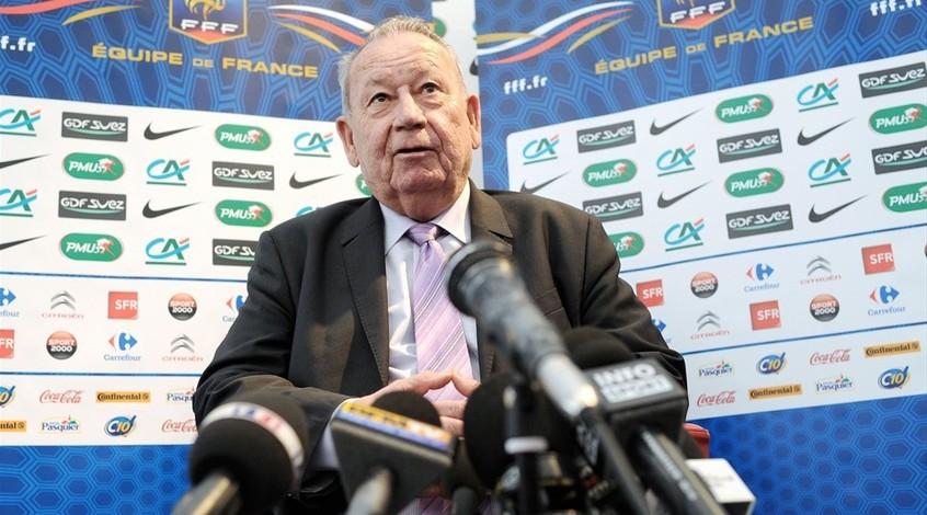 "Жюст Фонтэн: ""Франция должна отказаться от Евро-2016"""