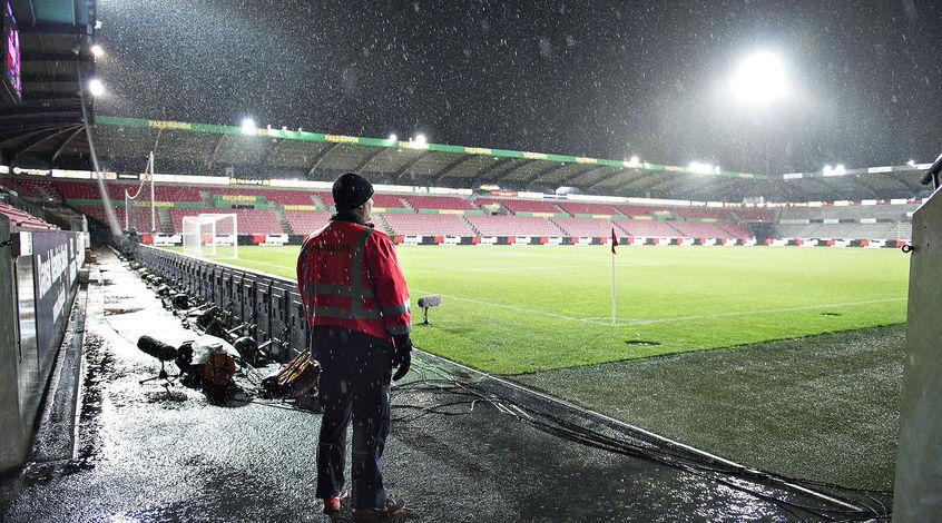 Чемпионат Дании: матч лидеров перенесён из-за шторма