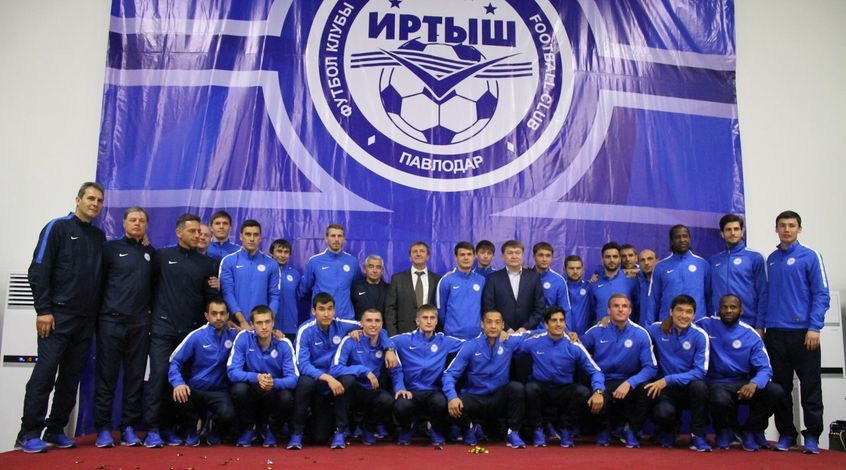 """""""Иртыш"""" встретился с акимом области и представил фанатам новый состав"""