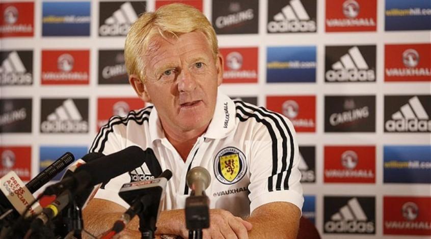 Официально: Гордон Стракан освобожден от должности наставника сборной Шотландии