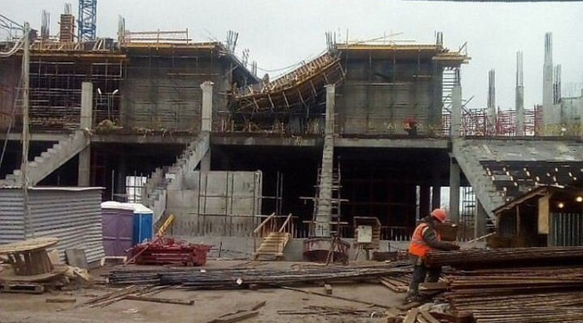 На строящемся к ЧМ-2018 стадионе в Волгограде рухнуло перекрытие второго этажа