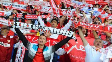 """Фанаты """"Севильи"""" приехали на клубную базу и выразили недовольство результатами"""