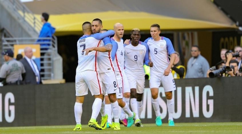 Американские футболистки получают больше мужчин