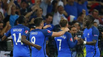 Как французы победу сборной отмечали (Фото)