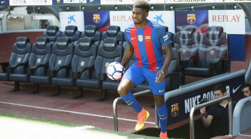 """""""Барселона"""" готова продать Самуэля Умтити в """"Манчестер Юнайтед"""""""