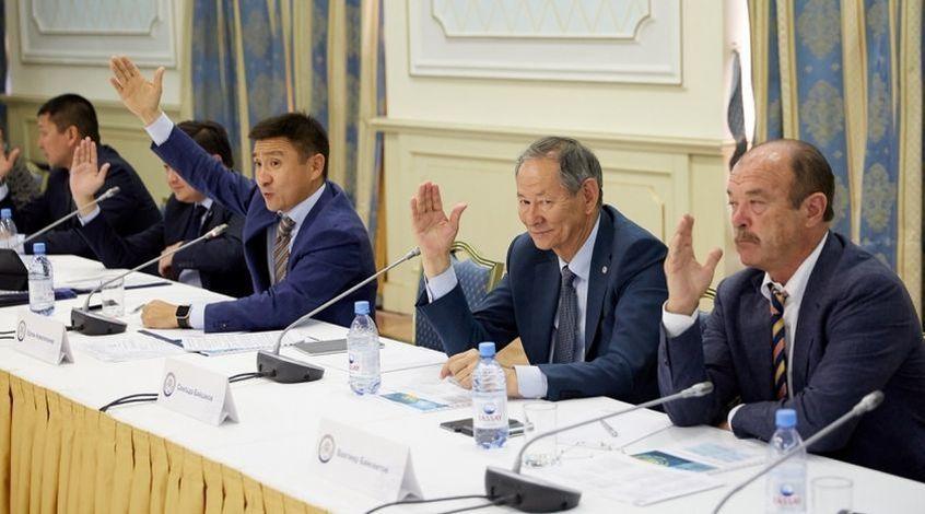 Ерлан Кожагапанов отреагировал на скандал созданием экспертной комиссии