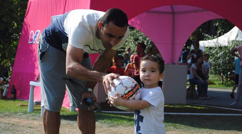 """Исмаили посетил со своим сыном открытую тренировку """"Арсенала-KIDS"""" (+ Фото)"""