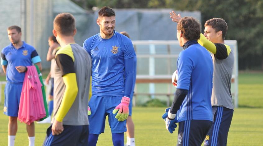 """Денис Бойко: """"Мы обязаны показать хороший футбол"""""""