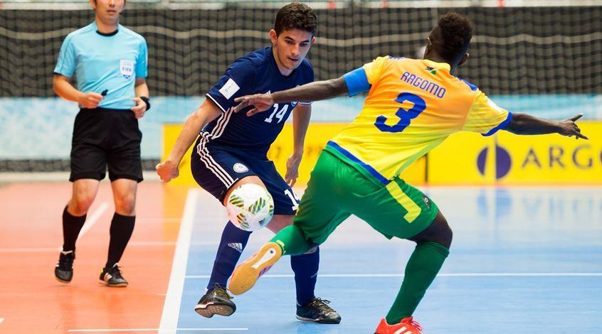 Казахстан сыграет с Испанией