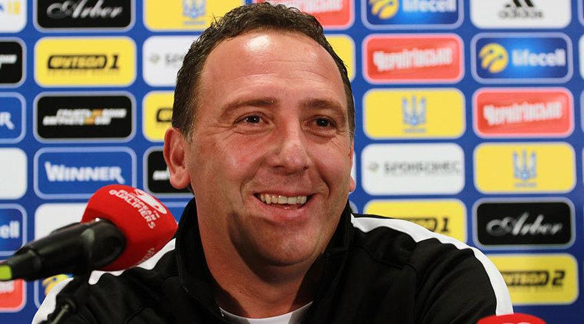 Федерация футбола Косово приняла отставку главного тренера