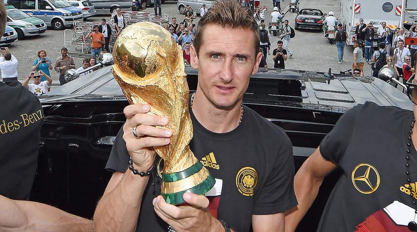 Мирослав Клозе завершил игровую карьеру и будет стажироваться в сборной Германии