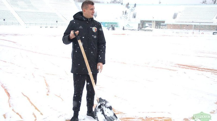 """""""Ворскла"""" - """"Динамо"""": команды прибыли на стадион, поле еще не готово (+Фото)"""