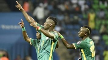 Позитивная тренировка Сенегала, или без танцев не обошлось (Видео)