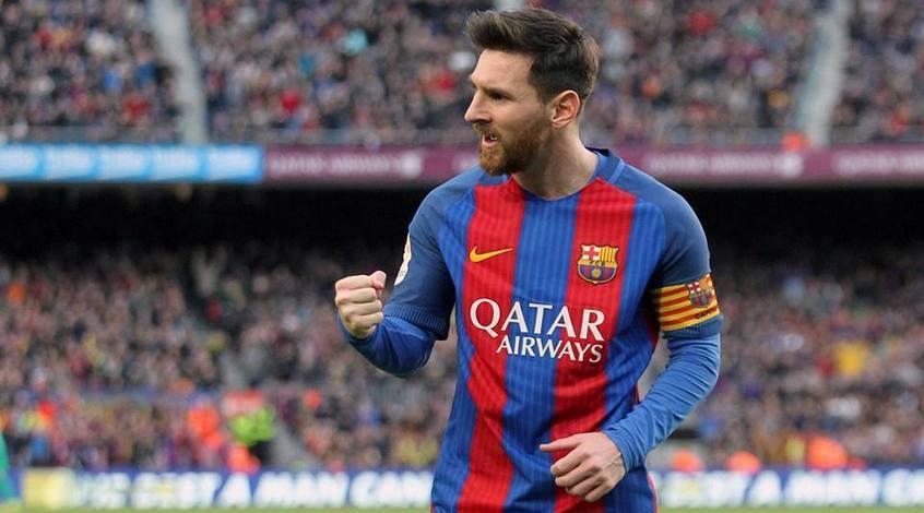 """Болельщики """"Барселоны"""" поздравили Месси с 500-м голом (Фото)"""