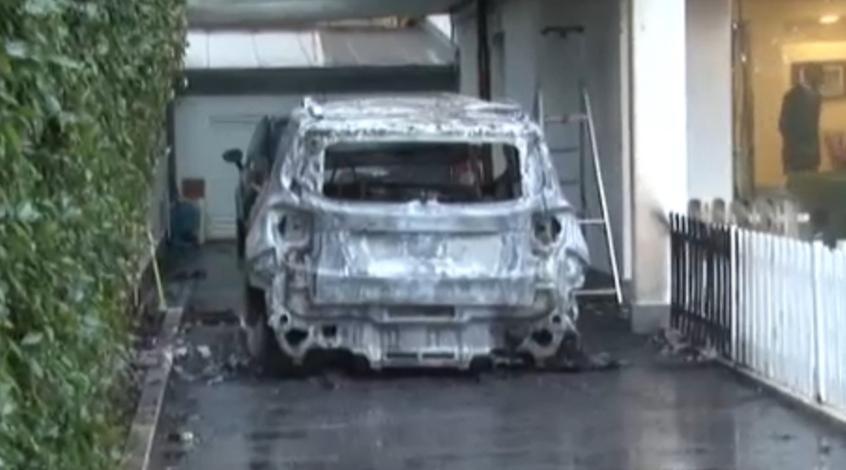 """Тифози """"Пескары"""" сожгли два автомобиля президента клуба и вынудили его уйти в отставку"""